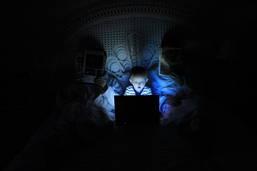 Internet safety For Kids - We Take a Look at How Best To Protect Your Child
